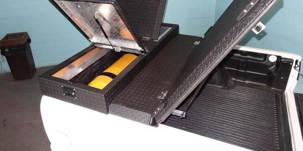 CNG-System-Compatible Tonneau Cover