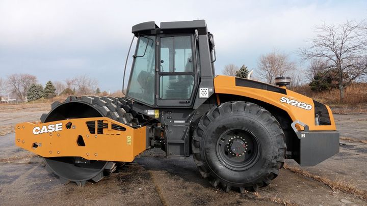 The Case SV212D compactor features a154-hp Tier 4 Final engine.