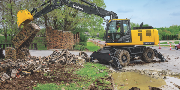 The 190G W is a versatile excavator from John Deere, designed to dig like a tracked excavator...