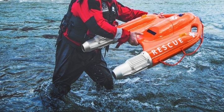 The Dolphin 1 water rescue robot can quickly reach people panicking in the water.