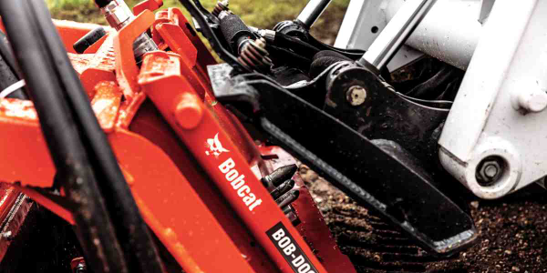 Bobcat Introduces Hands-Free Attachment Mounting System
