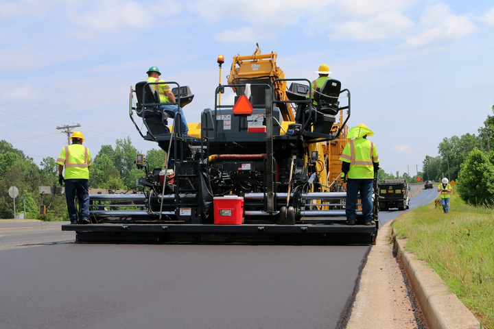 Bomag CR 1030 W Series pavers have a standard 16.7-ton hopper capacity.