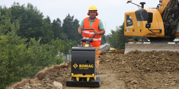 The Bomag BPR 60/65 features a high-wear-resistant base plate for long service life.