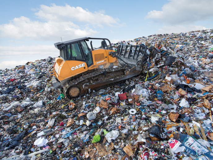 The 2050M features primary operating systems and components ideally suited for working in landfills.
