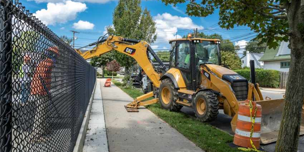 The Cat 450 backhoe loader comes with a Cat C4.4 ACERT engine delivering a net horsepower of 128.