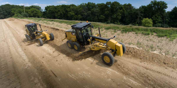 Cat 120 Motor Grader Designed to Lower Costs