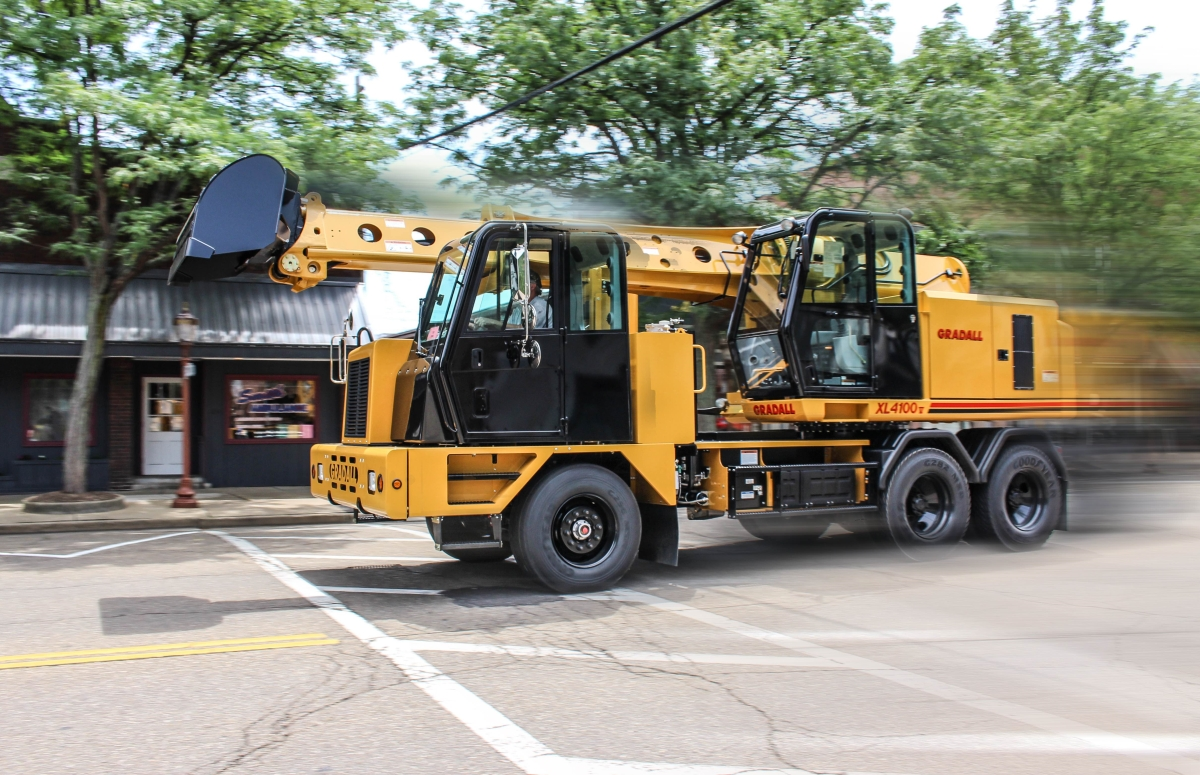 Gradall XL 4100 V Excavator Has Fuel-Efficient Engine