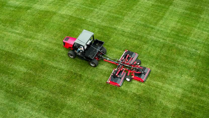 Groundsmaster 1200 Rotary Mower Delivers a Superior Cut