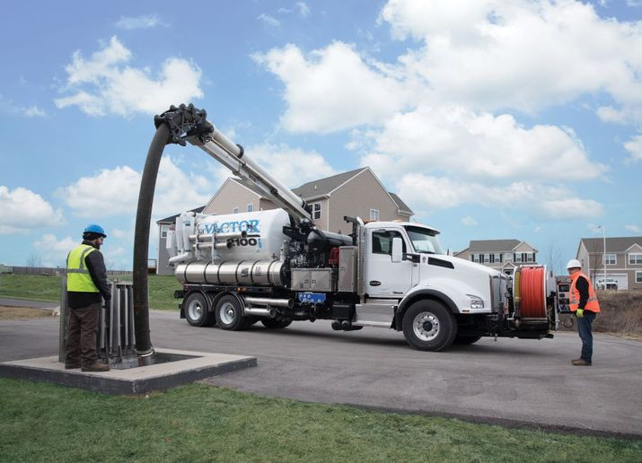 The Vactor RDB 1015 rapid deployment boom is availble on the Vator 100 series combination sewer cleaners.