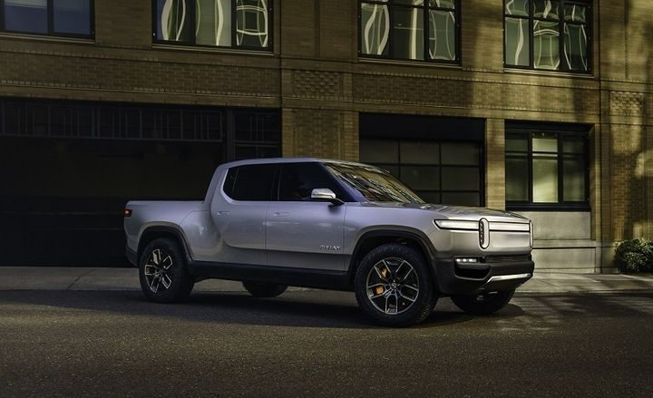 The Rivian R1T battery-electric pickup truck features a 147 kW power capacity and will be available with three different batter pack configurations: 105 kWh, 135 kWh, and 180 kWh. Depending on the configuration, it can have a max power output of 562 kW and max torque of 825 lb.-ft.