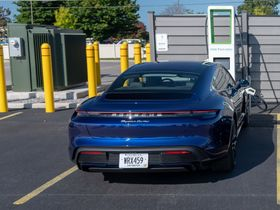 Electrify America Charges EV at 270 Kilowatts