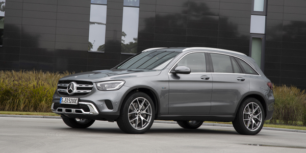 Mercedes-Benz is refreshing its GLC350e plug-in hybrid for 2020.