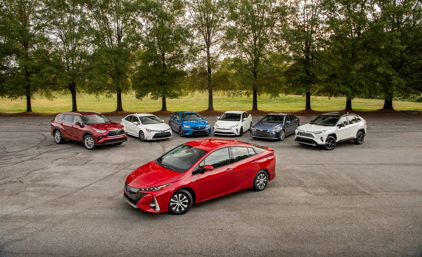 Toyota Extends Hybrid Battery Warranty