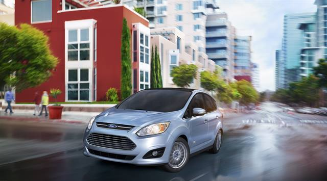 The C-MAX Energi comes equipped with a 2.0L four-cylinder engine. Overall, Ford projects 188 hp for the total system's horsepower.