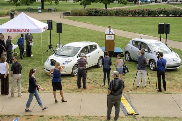 The Nissan LEAF cars will be added to the University's motor pool and the charging stations will be made available for use by students, faculty, staff, and visitors to the Murfreesboro campus. (Photo: Nissan)