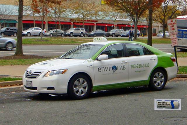 Toyota Camry Hybrid taxi from EnvironCAB of Arlington, Virginia. Photo courtesy Mario Roberto Duran Ortiz.