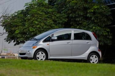 A $1,500 fleet incentive is available on remaining 2012 stock of the all-electric i-MiEV four-door sedan.