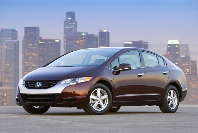 Photo of the FCX Clarity fuel-cell vehicle courtesy of Honda.