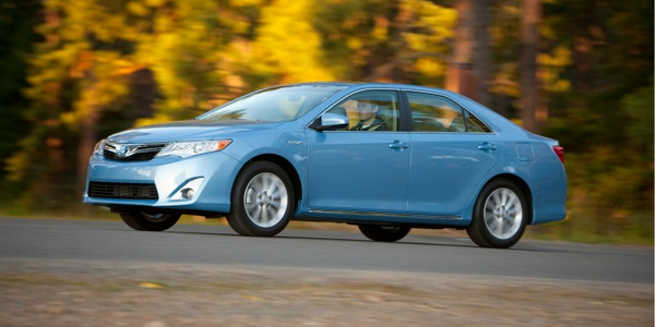 MY 2012 Camry Hybrid Features Revised Powertrain