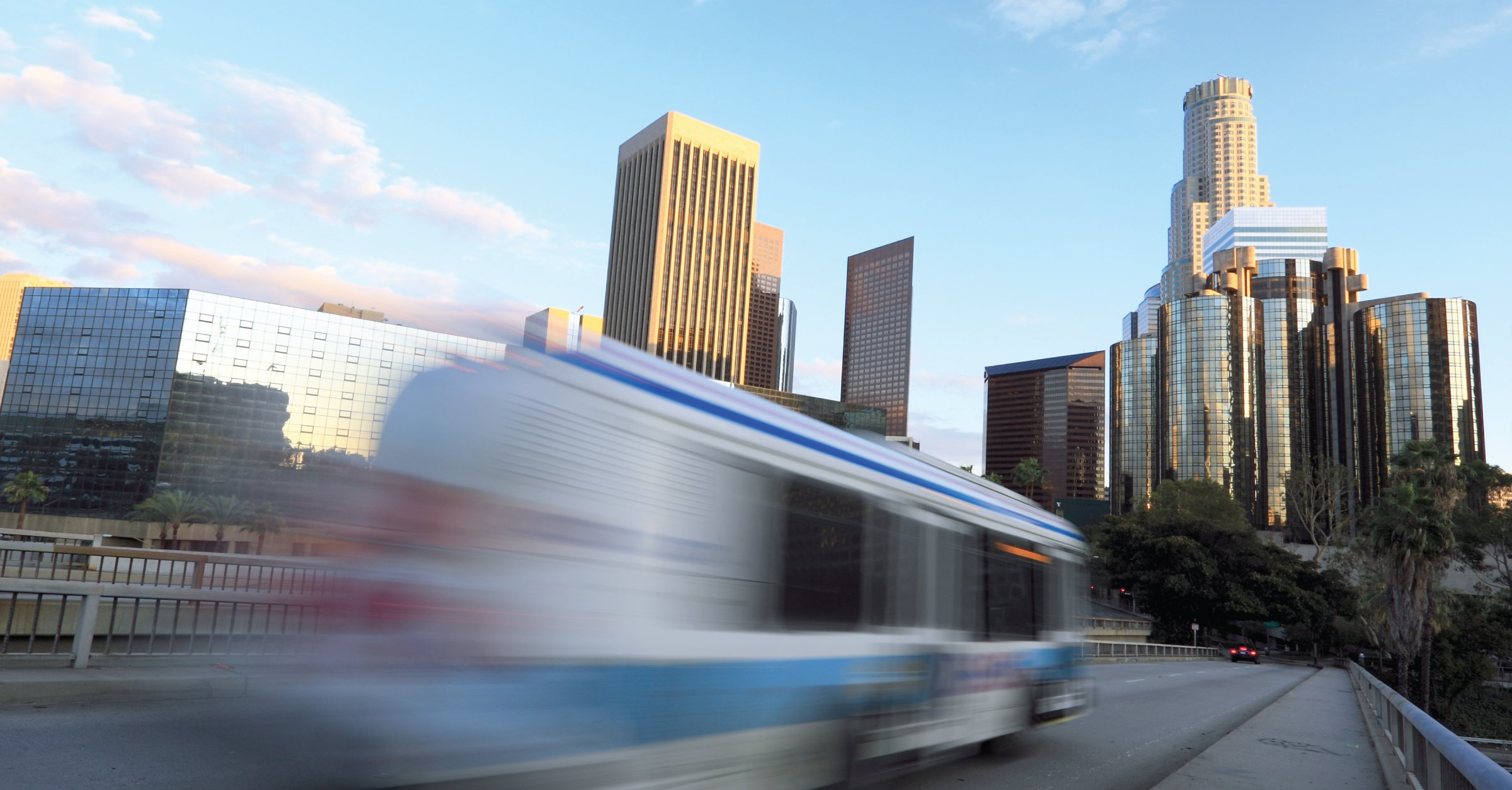AMPLY, AECOM Partner to Bolster Bus Electrification for Transit Agencies