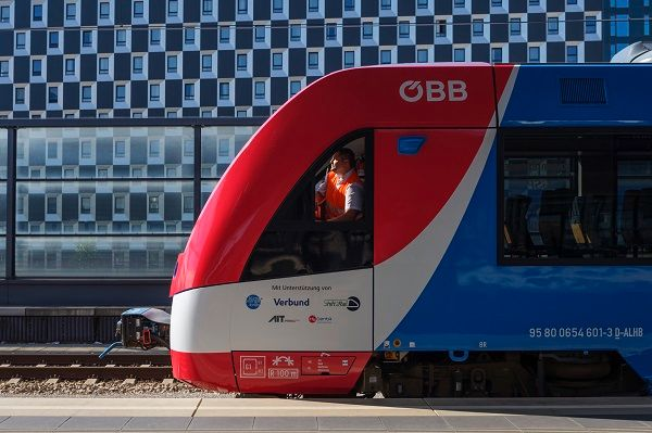 The Coradia iLint is fully approved for the Austrian network after successfully completing three months of passenger operation testing with Austrian Federal Railways. - Alstom