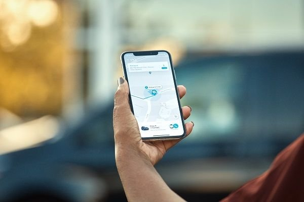 Using the Groove On-Demand mobile app, transit riders can book a ride by selecting a pickup and dropoff location within the greater Downtown Memphis area. - Via