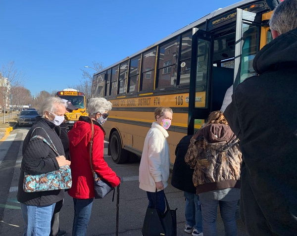 Missouri District Uses School Buses to Assist in COVID Vaccine Distribution