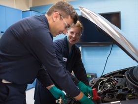 Retaining Auto Service Techs: What's Your Plan?