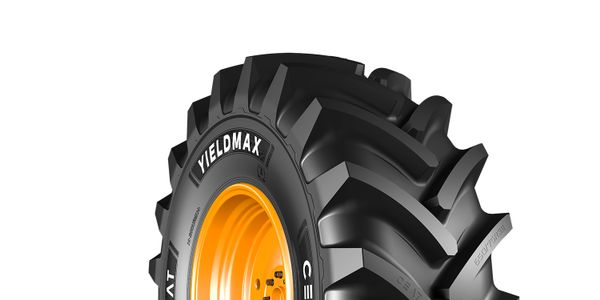 The new CEAT Yieldmax ag tire line has been engineered forcombine applications.