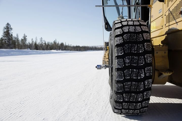 Trelleborg says the EMR 1025 offers the comfort, robustness and high performance of the EMR line, plus it brings winter qualities. -