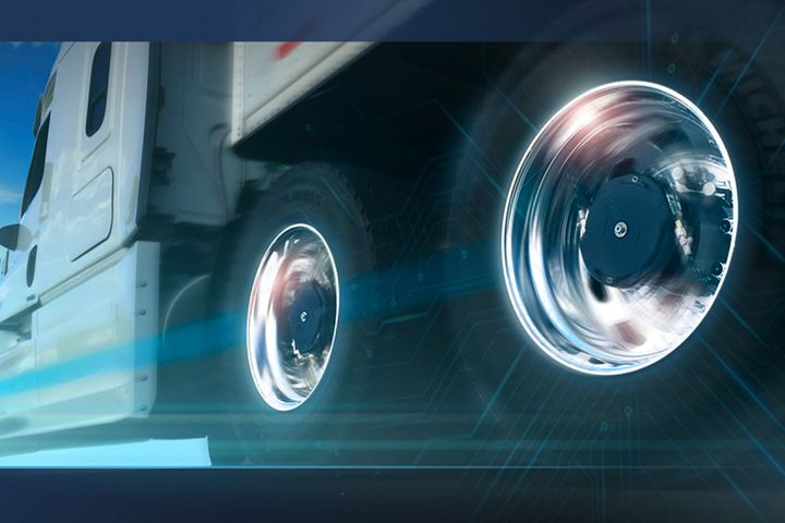 Aperia's Halo Connect offers predictive tire analytics, using machine learning to identify tire-related issues before a simple pressure gauge ever could.