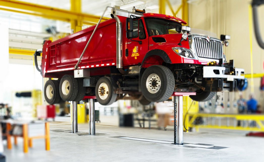 Choose the Right Lift for your Fleet