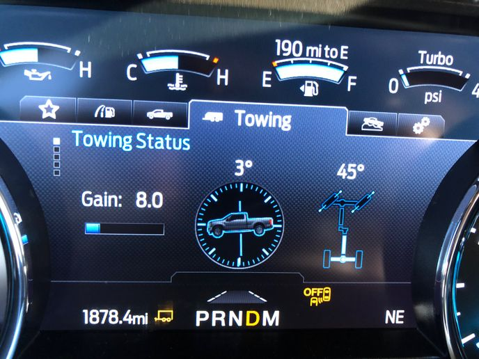 An easily configurable Trailer Towing Assistance screen gives Super Duty drivers a host of vehicle and operational data at a glance.  - Photo: Jack Roberts