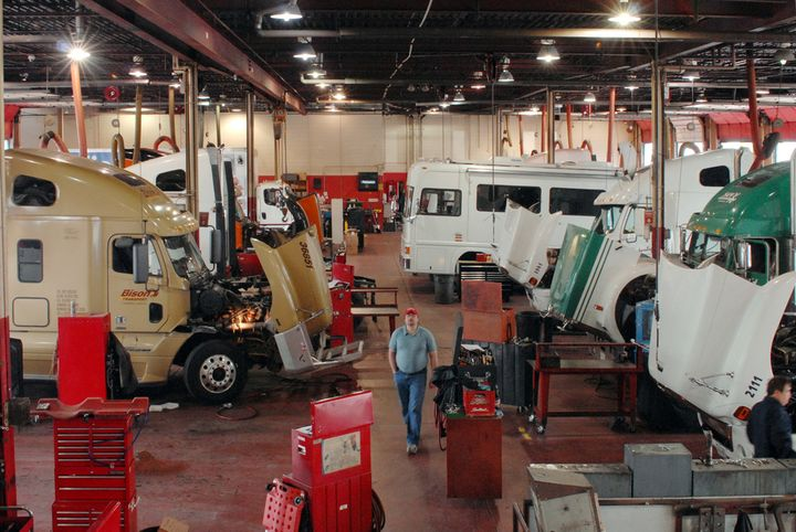 Fleets need to maintain separation of workers and keep drivers and non-essential personnel out of the shop to protect the health of the working technicians. - Photo: Jim Park