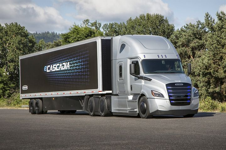 Freightliner's eCascadia is UPS' next step towards the electrification of its fleet.  - Photo: Freightliner