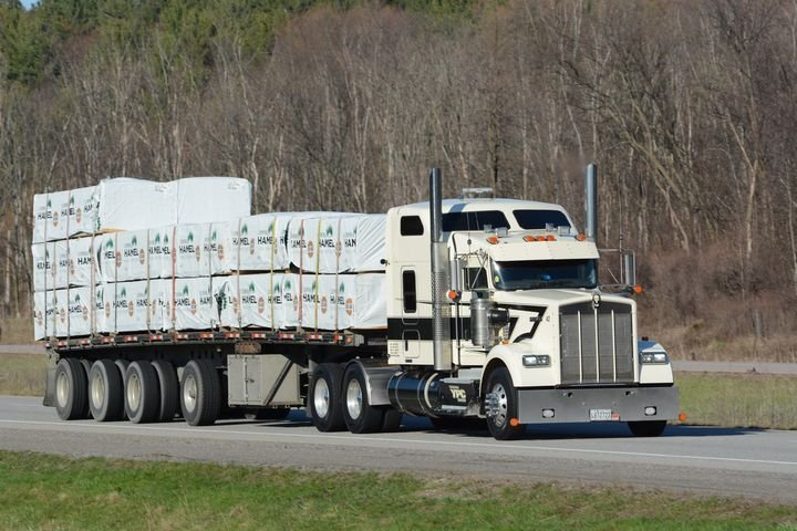 Until June 2019, Canada had no official ELD rule. Roadside inspectors would except a number of electronic logging device formats as long as certain information was present on the device. - Photo: Jim Park