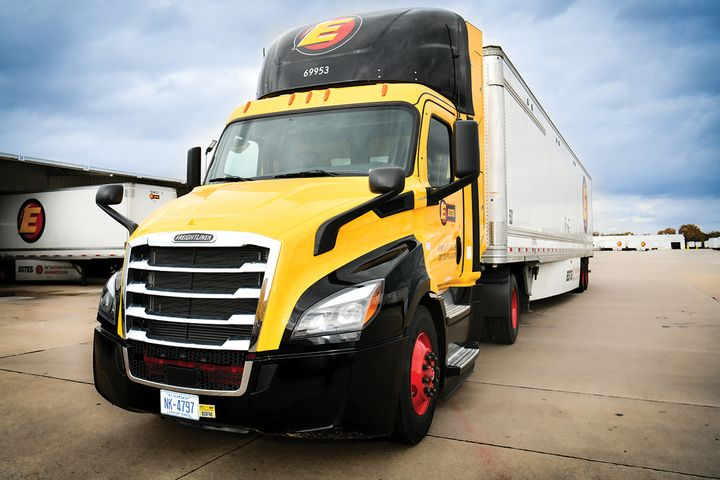 Estes Express is adding more renewable-natural-gas-powered trucks. - Photo: Estes Express