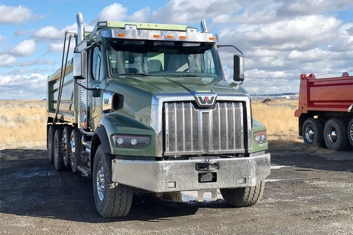 Western Star's new 49X Class 8 truck showcases DTNA's vision for a new take on its vocational product line. - Photo: Jack Roberts