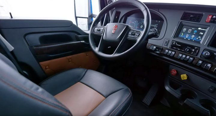 The black color on all the dash with the lighter tan or gray upper sections provide contrast for a more refined look to the interior. - Screenshot: Kenworth's virtual reveal event