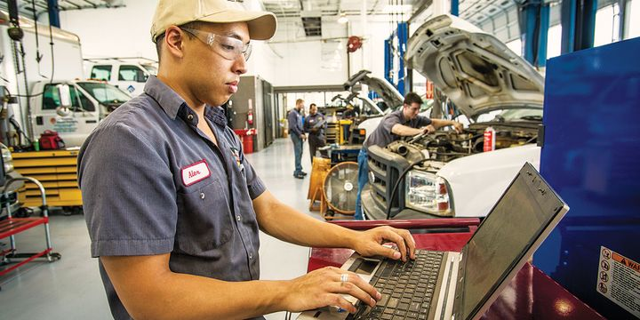 Rush Enterprises says it's starting to gather data from multiple components and use it to understand how and when to service vehicles. - Photo:Rush Enterprises