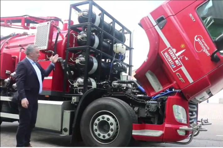 In a March 17 virtual event, Hyzon officials point to the hydrogen tanks behind the cab of one of its Euro-style cabover trucks. At lower left is the battery box. - Photo: Screen capture from Hyzon virtual event