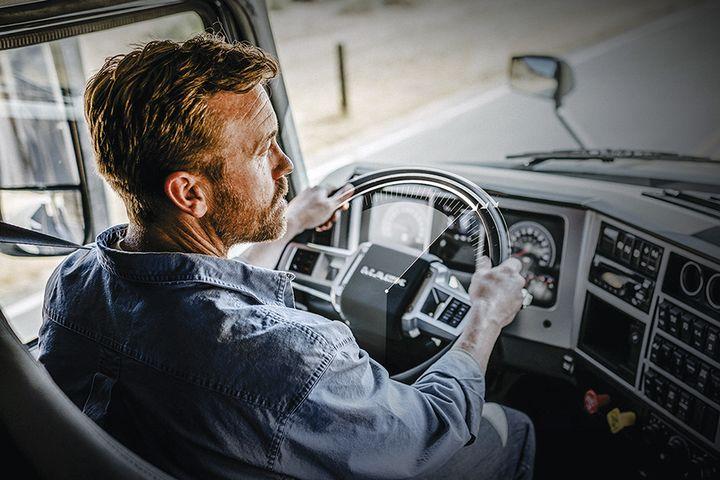 Mack Trucks'Command Steer advanced active steering system reduces driver effort. - Photo: Mack Trucks