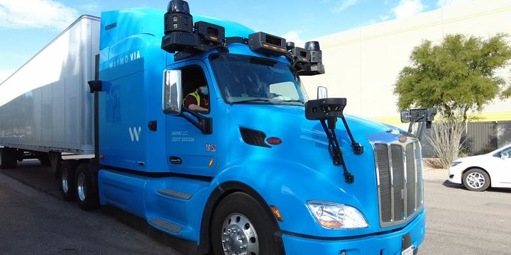 Waymo's truck has 360-degree cameras and Lidar that can detect objects greater than 550 yards away. It also has a built-in cleaning system combining ducts, fans, vents, heaters and air nozzles. - Screenshot: Waymo Live Ride Demo