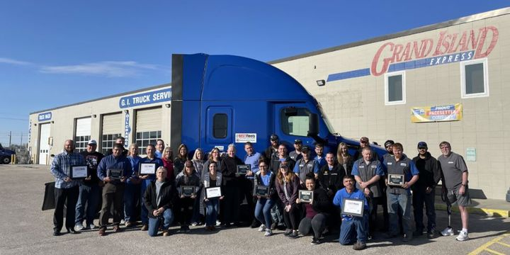Grand Island Express has been listed as a Best Fleet to Drive For for the tenth consecutive year. - Photo: GIX Twitter