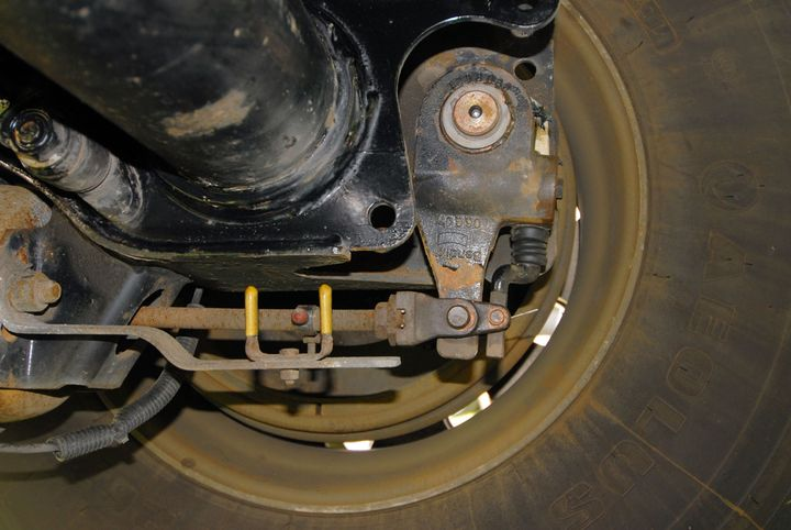 Brake stroke indicators provide a visual reference of brake stroke for drivers. Roadside inspectors will measure brake stroke before issuing citations, so the brake stroke indicators are not giving away any secrets. - Photo: Jim Park