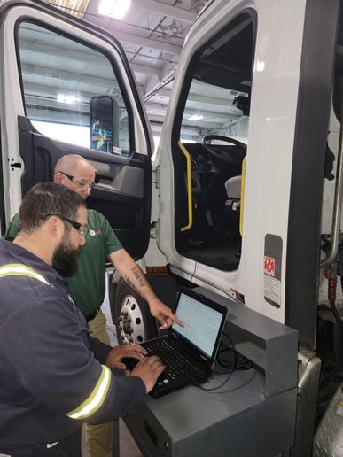 Regular checks and updates ofelectronic vehicle parameters, like this one atHub Group, helps make sure trucks are operating at top efficiency for their applications. - Photo:Hub Group