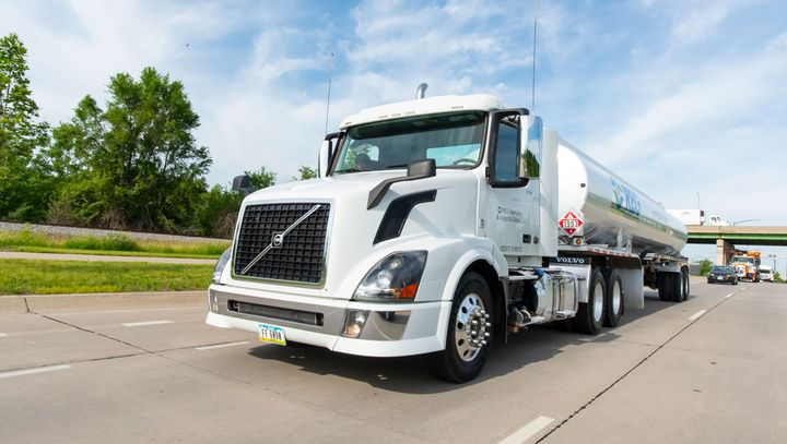 As fleets face more pressure to reduce their carbon footprint, B100 biodiesel is one option. - Photo: REG