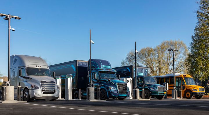 The GNA State of Sustainable Fleets report called 2020 a transformative year for battery-electric commercial vehicles. - Photo: Daimler Trucks North America