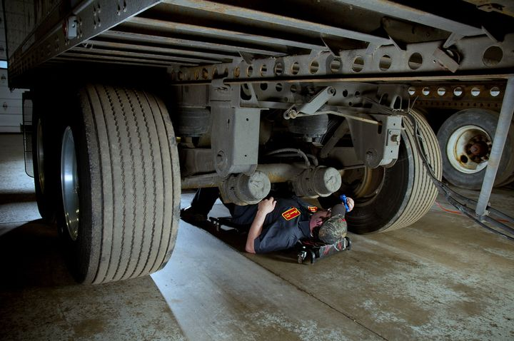 Technicians need to be aware of the technical standards that apply to brakes as well as a weather eye for problems that drivers may not be aware of. - Photo: Saf-Holland