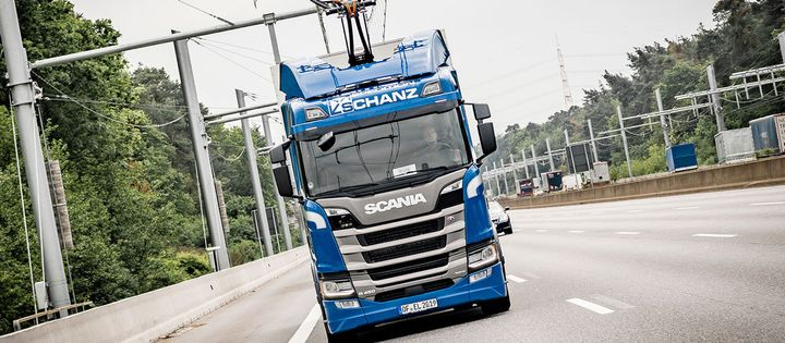A truck from Schanz Spedition makes the same run up to five times a day, the kind of regular route that would make the most sense for this technology. - Photo: Scania/Traton